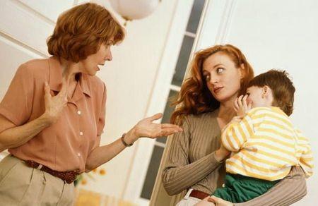 Так ли плохо жить молодой семье с родителями?