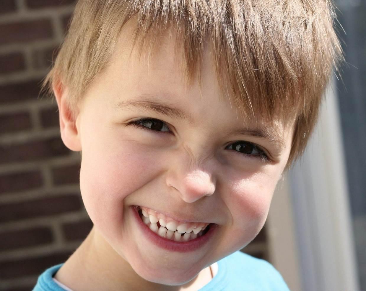 зубная паста и щётка для ребёнка