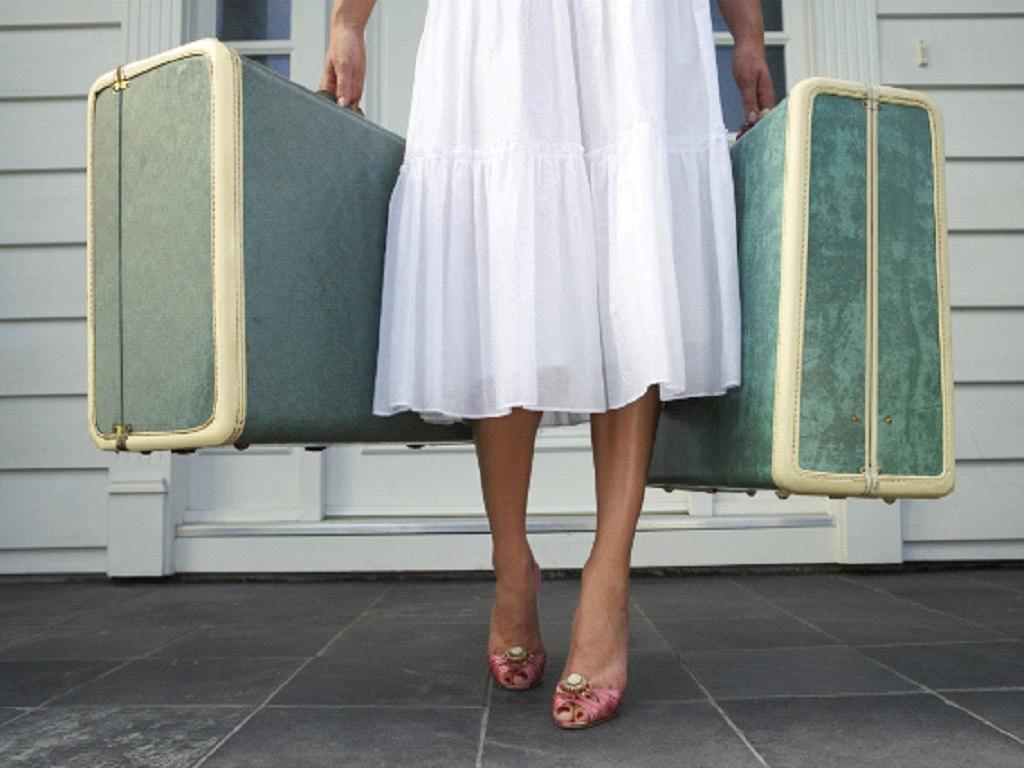 Почему женщинам категорически нельзя носить тяжести